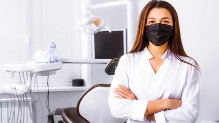 Koronavirüs Salgını Sırasında Dişçiye Gitmeyi Ertelemeli Miyim?