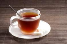 Çok Sıcak Çay İçmek, Gırtlak Kanseri Riskini Artırabilir