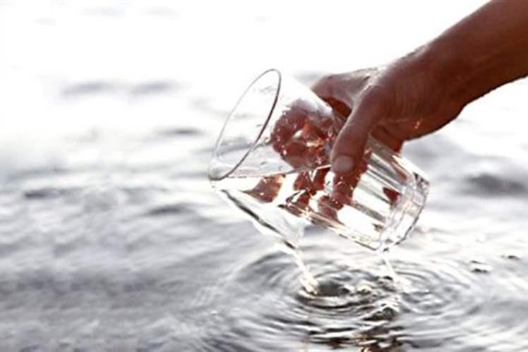Su içerek kabızlıkla mücadele