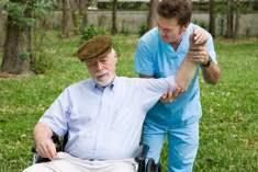 Alzheimer Hastalığında Bakıcının Rolü