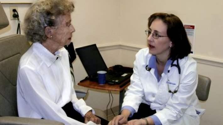 Alzheimer Hastalığıyla Birlikte Yaşamayı Öğrenmek