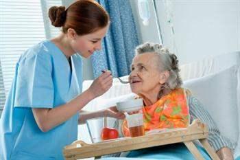 Alzheimer hastaları için bakımevleri