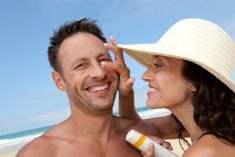 Güneş Kremini Doğru Şekilde Kullanarak Cildinizin Erken Yaşlanmasını Önleyin