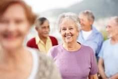 Gülmenin Neden Olduğu Kırışıklıkları Önlemek İçin Gülümseyin
