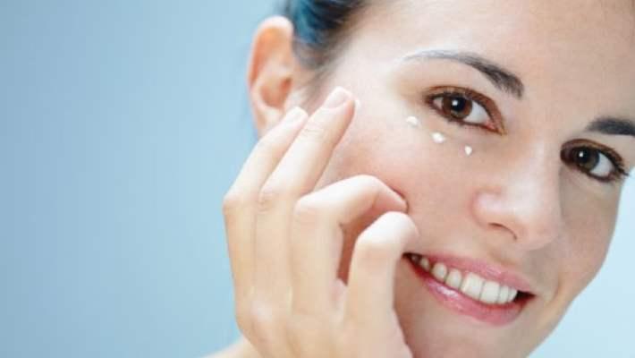 Göz Altındaki Kırışıklar İçin Doğal Tedaviler