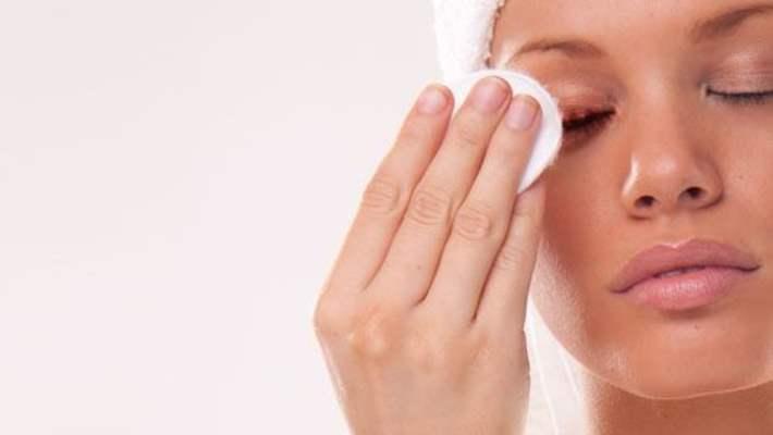 Cildinizin Sağlığını Korumak İçin Etkili Makyaj Temizleme Tavsiyeleri!