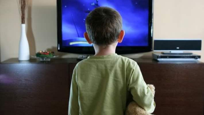 Çocukların Yatak Odasındaki Şeytan: Televizyon!