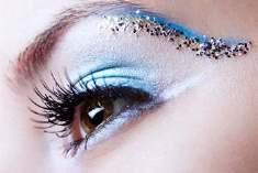 Gözlerinizi Olağanüstü Bir Makyajla Hareketlendirin
