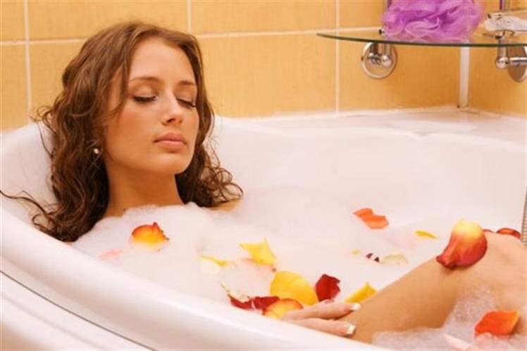 Pürüzsüz ve Muhteşem Bir Cilt İçin Banyo Yağları