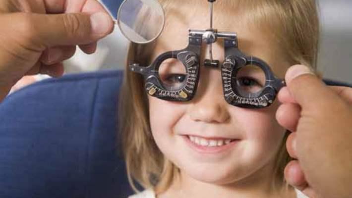 Çocuklarda Acil Göz Muayenesi Gerektiren Durumlar