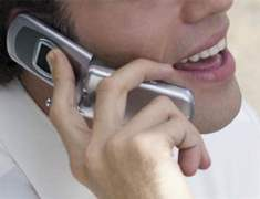 Cep Telefonu Baş Ağrısına Neden Olabiliyor