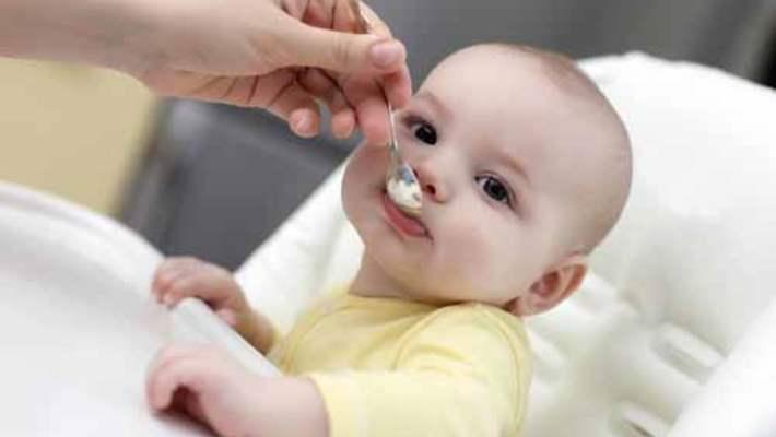 Anne Sütü Yetmeyen Bebekler Nasıl Beslenmeli?