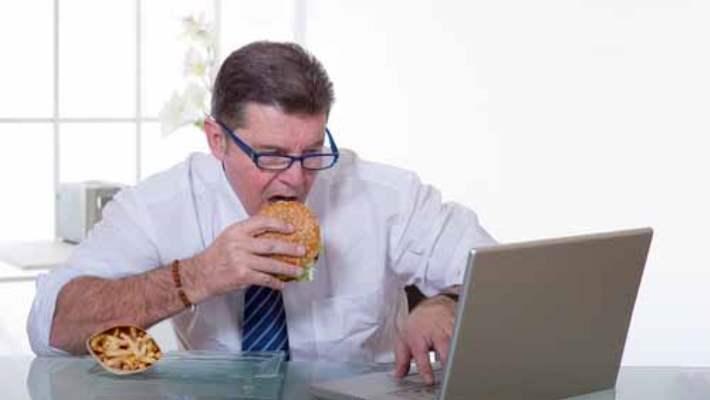 Fast Food Gıdalar Depresyon Riskini Artırıyor