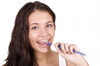 Diş fırçası ne tür kıllardan yapılmış olmalıdır?