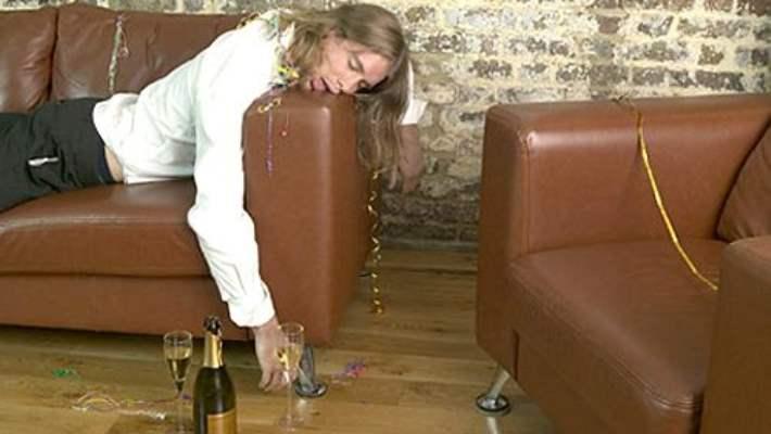 Aşırı İçki İçen Kadınlar Dikkat