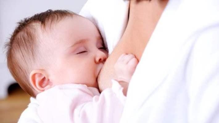 Bebeklere Anne Sütü