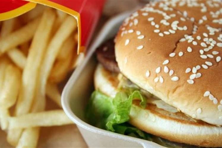 Abur cubur ve fast foodun her lokması damarlarınıza zarar veriyor