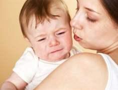 Şekerli su içirilip aşı yapılan bebekler daha az ağlıyor