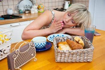 Gün İçerisindeki Uykululuk Halinden Kurtulmak İçin 12 İpucu