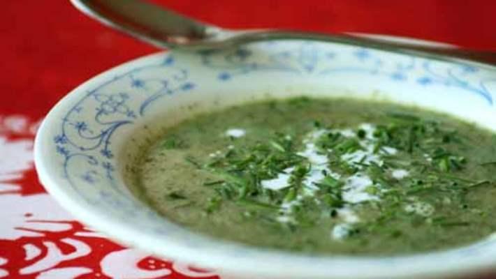 Ispanak Köklü Sebze Çorbası