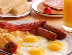 Kahvaltı etmeyen daha çok yemek yiyor