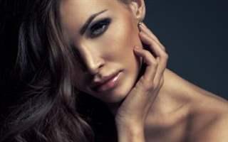 Esmer Kadınlar Nasıl Makyaj Yapmalı?