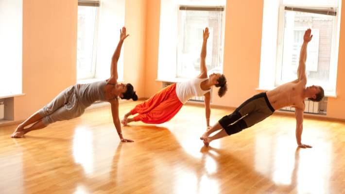 5 Dakikalık Yoga İle İnce Kollara Kavuşun