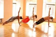 5 dakikalık yoga ile ince kollara kavuşun