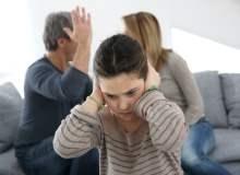 Boşanmış anne babanın yaptığı 5 hata