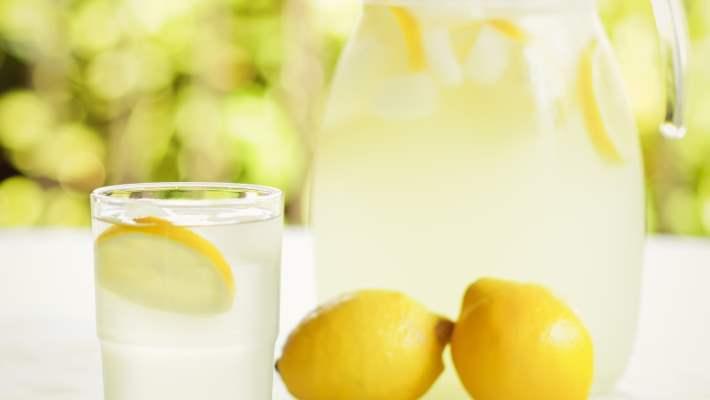 Neden Sabahları Limonlu Su İçmeliyiz?