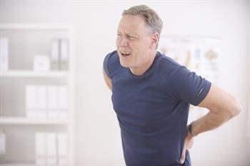 Sırt ağrılarını azaltmak ve duruş bozukluklarından kaçınmanın yolları