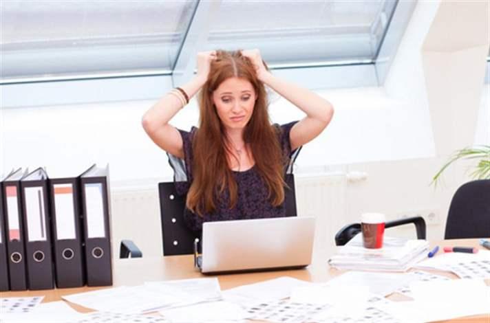 İşim Çok Stresli Bu da Akne İçin Bir Etken mi?