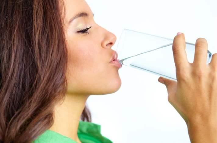 Her yemekten önce bir bardak su için